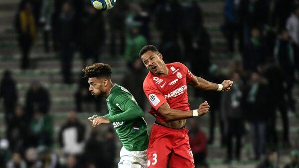 Игровой момент матча Сент-Этьен - Монпелье