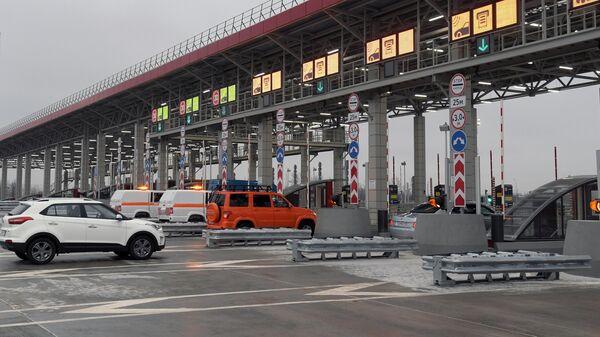 Пункт взимания платы скоростной платной трассы М-11 Москва - Санкт-Петербург