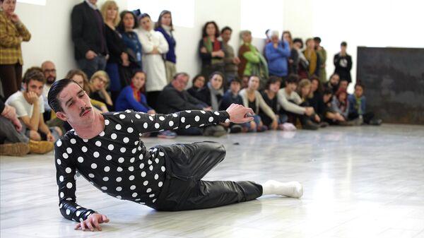 Спектакль Equal Elevations танцевальной компании La Veronal
