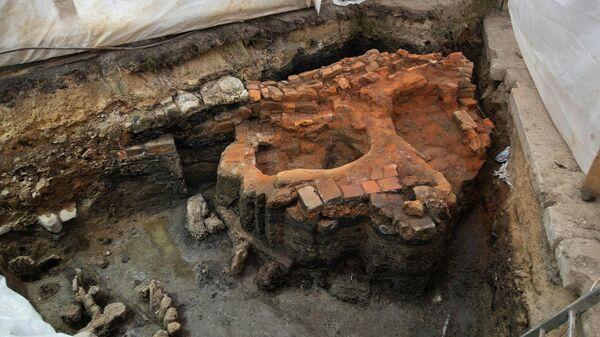 В Троице-Сергиевой лавре нашли печи, где готовили еду в XVI веке