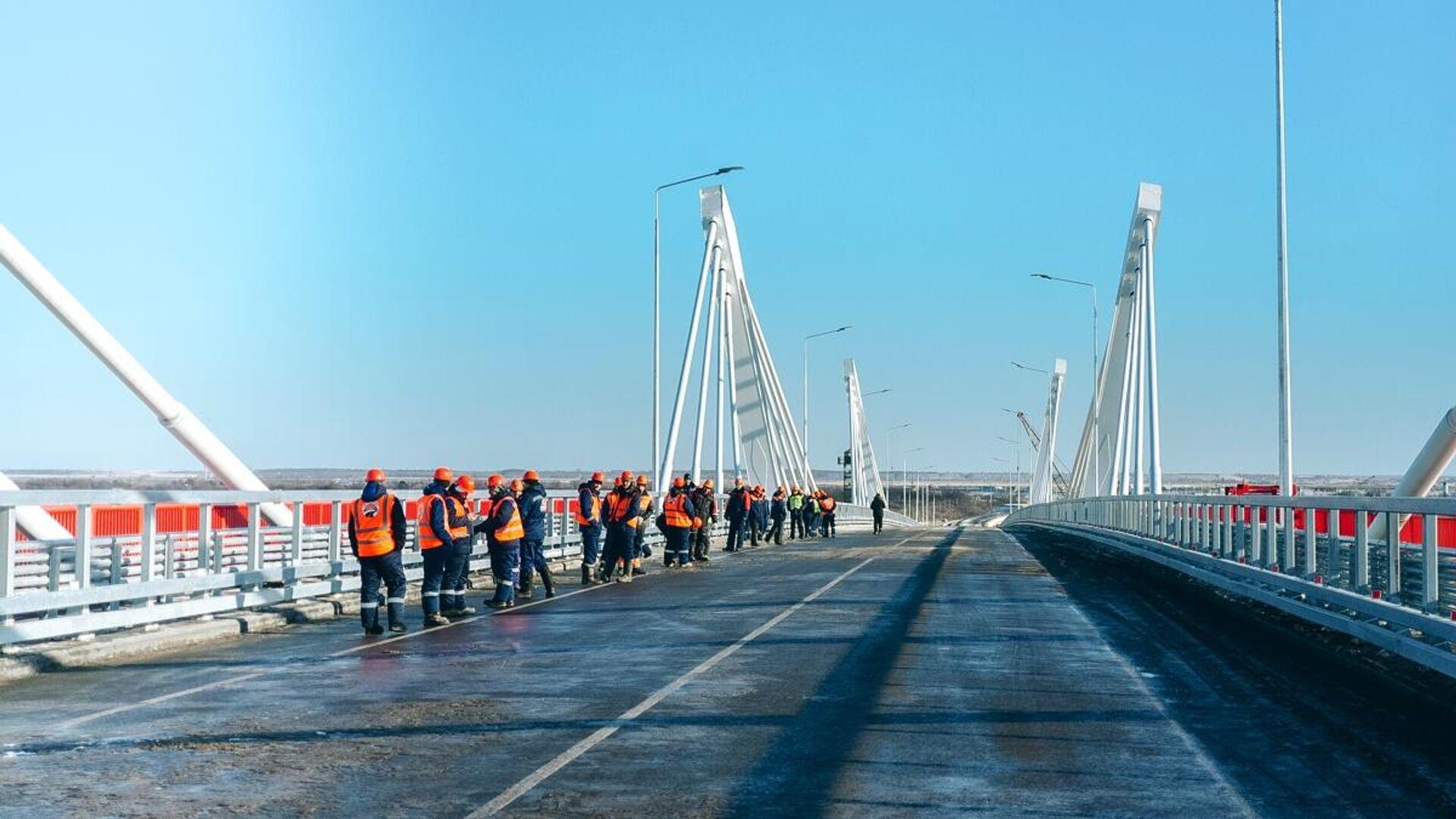 Завершено строительство моста через Амур между Россией и Китаем - РИА Новости, 1920, 16.02.2021