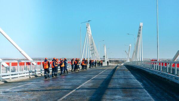 Завершено строительство моста через Амур между Россией и Китаем