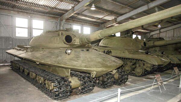 Опытный тяжёлый танк в музее бронетанковой техники в Кубинке
