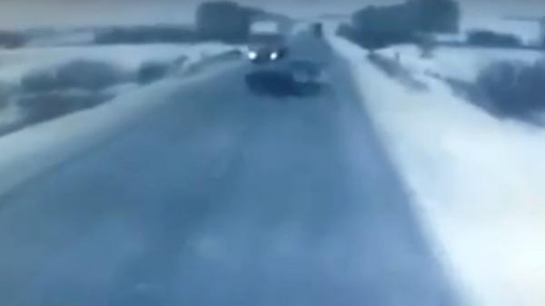 Момент ДТП с грузовиком в Татарстане попал на видео