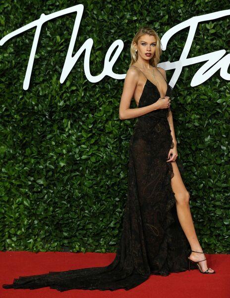Модель Стелла Максвелл на церемонии вручения премии British Fashion Awards 2019