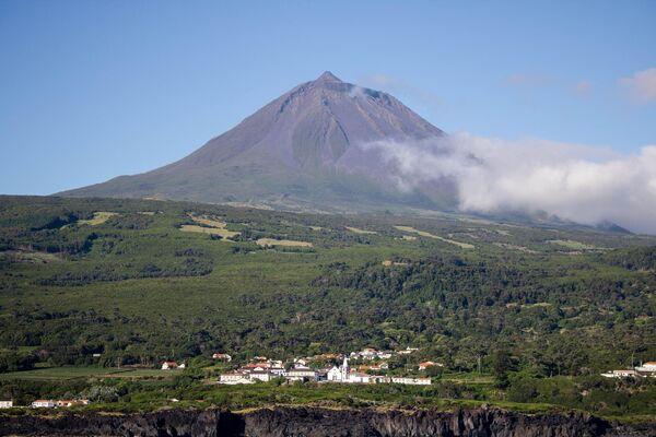 Вулкан Пику