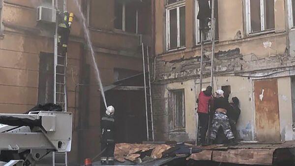 Ликвидация пожара в Одесском колледже экономики