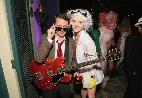 Мэтт Беллами и Эль Эванс на вечеринке в честь Хэллоуина в Лос-Анджелесе