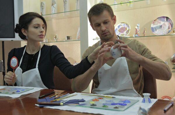 Игрок футбольного клуба Зенит Сергей Семак с супругой Анной