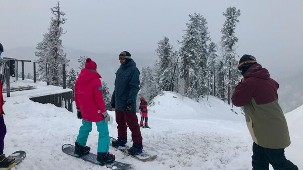Сноубордисты на горе Кокуя