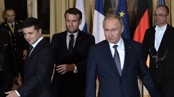 Президент РФ Владимир Путин и президент Украины Владимир Зеленский