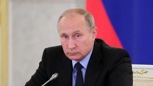Владимир Путин: Россия должна открывать русскоязычные школы и филиалы вузов в Средней Азии