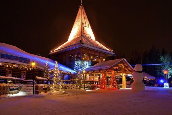 Деревня Санта-Клауса в Рованиеми, Финляндия