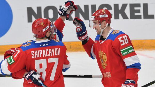 Игроки сборной России Вадим Шипачёв и Антон Слепышев