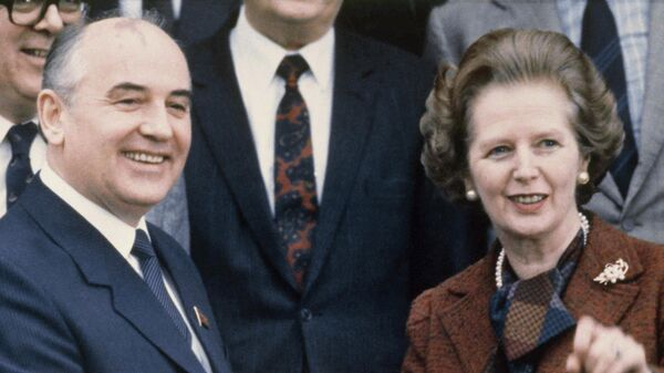 Генеральный секретарь ЦК КПСС Михаил Горбачев и премьер-министр Великобритании Маргарет Тэтчер в Лондоне. 1984 год