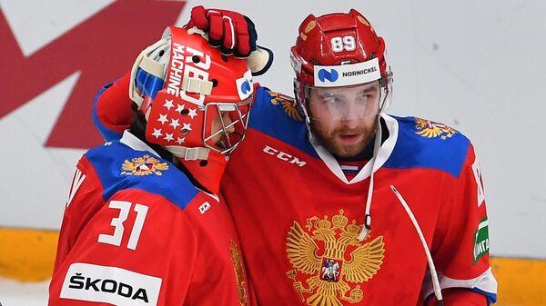 Вратарь Илья Сорокин и Никита Нестеров