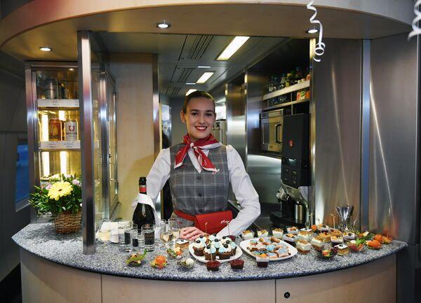 Буфет в вагоне-ресторане высокоскоростного поезда Сапсан