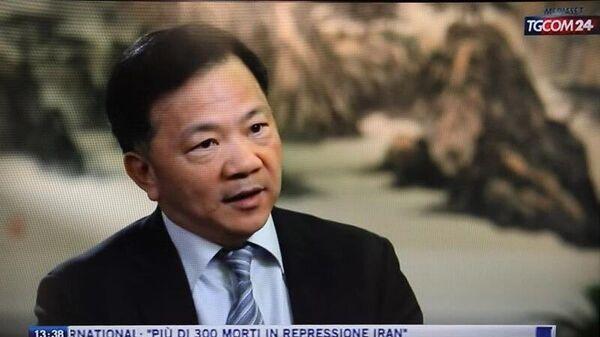 Генеральный директор Медиакорпорации Китая Шэнь Хайсюн во время интервью телеканалу TGCOM 24