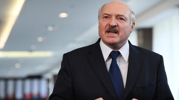 Президент Белоруссии Александр Лукашенко во время общения с журналистами в Сочи