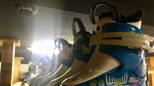 Детские горнолыжные ботинки в прокате всесезонного курорта Манжерок