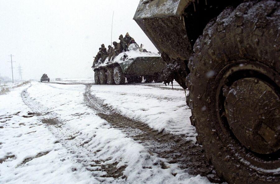Российская бронетехника на передовой в Гудермесе