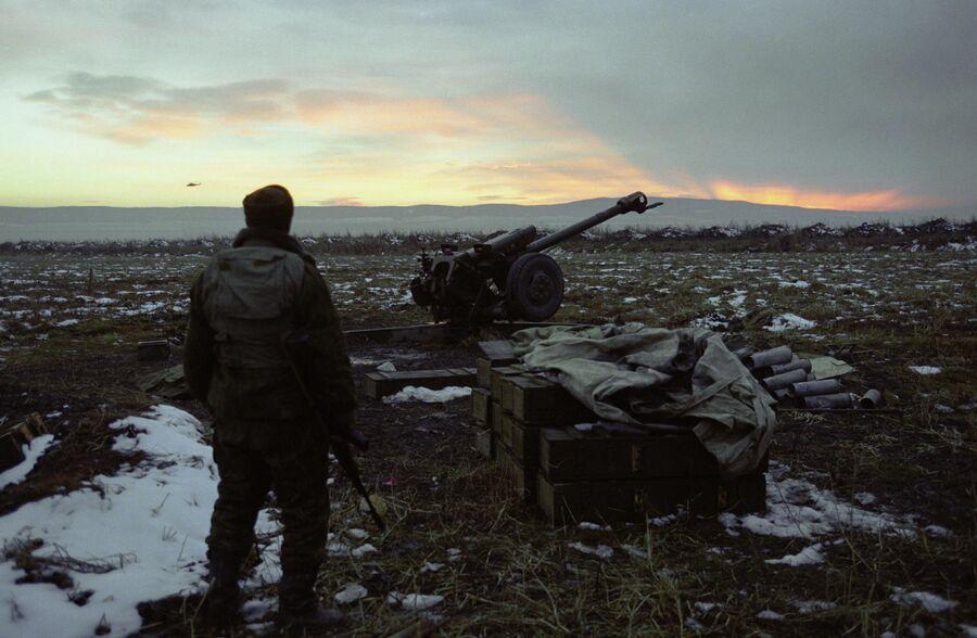 Боец группировки федеральных сил в окрестностях Гудермеса