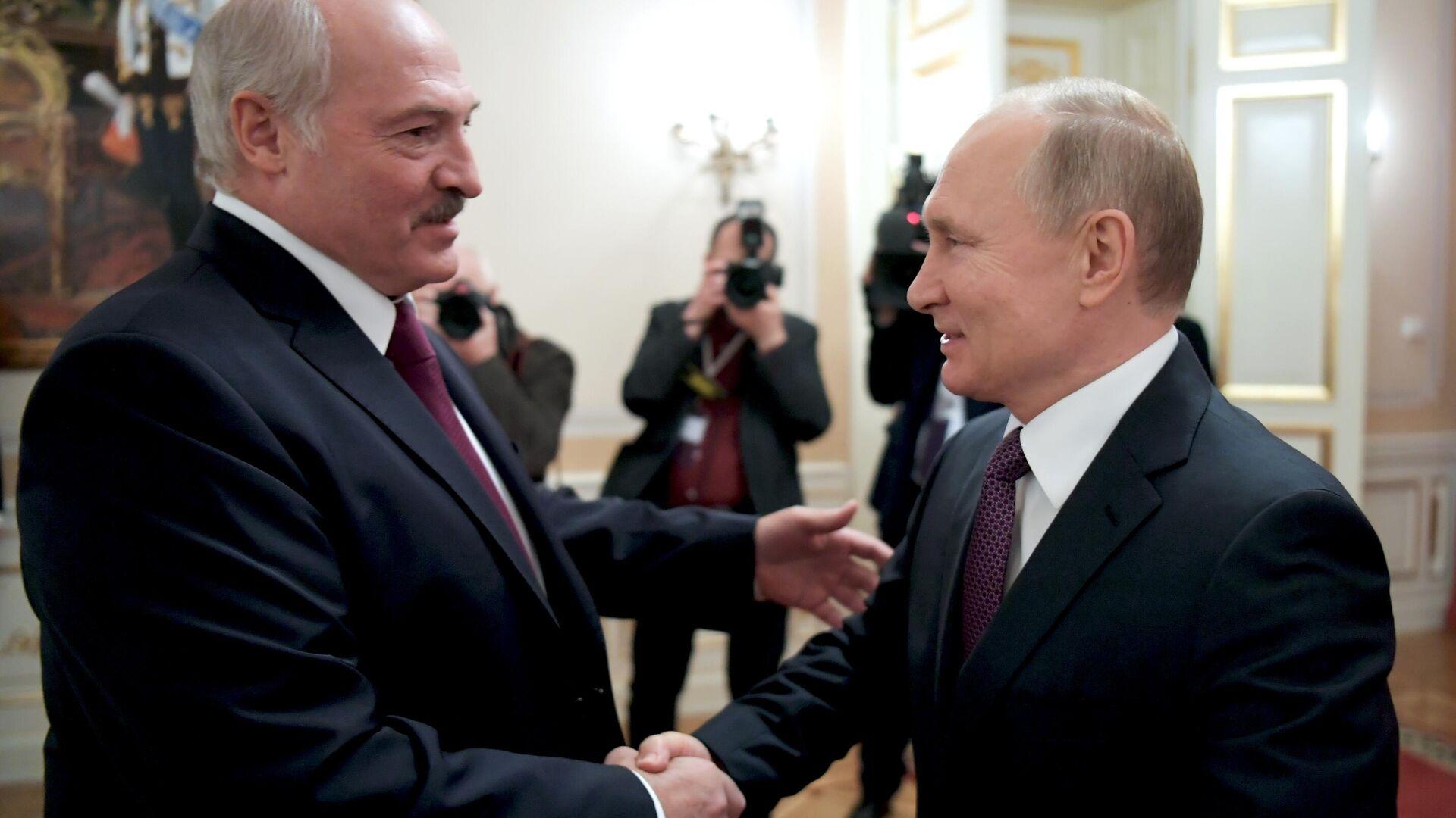Президент РФ Владимир Путин и президент Белоруссии Александр Лукашенко во время встречи в Санкт-Петербурге - РИА Новости, 1920, 10.01.2021