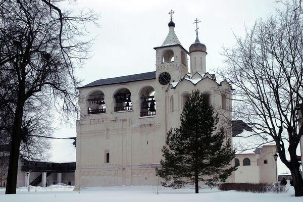 Звонница в Спасо-Евфимиевом мужском монастыре