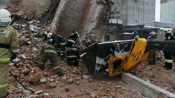 Обрушение четырехэтажного здания на комбикормовом заводе в Омской области