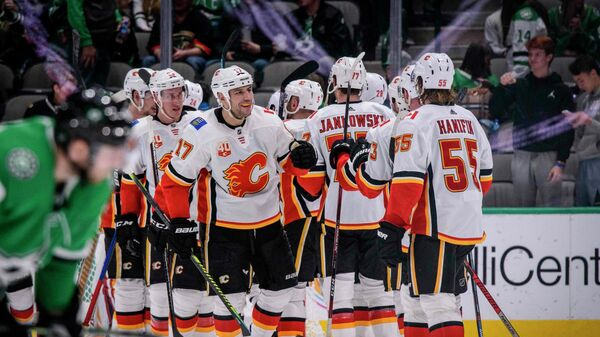 Хоккеисты команды НХЛ Калгари Флеймз