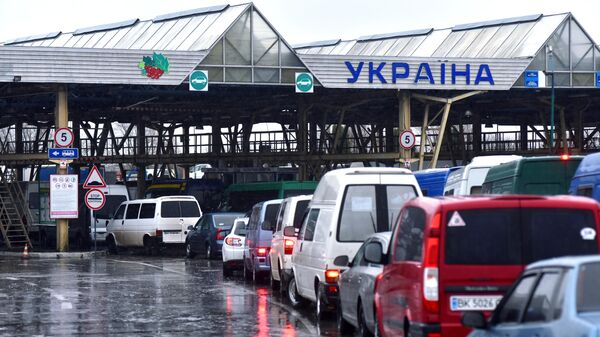 Автомобили на международном пункте пропуска Краковец - Корчева (Украина - Польша) во Львовской области