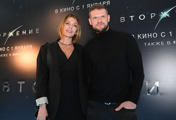Актер Владимир Яглыч с супругой Антониной Паперной премьере фильма Вторжение