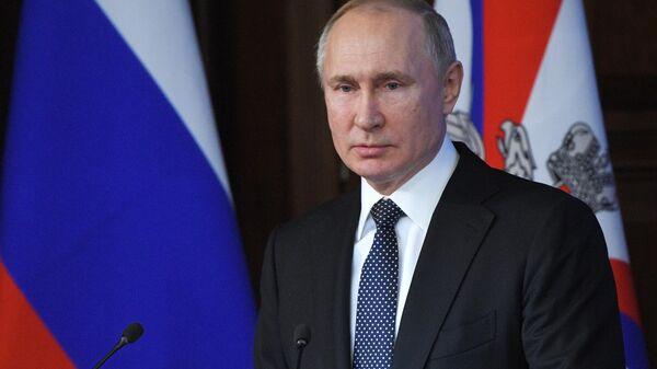 Верховный главнокомандующий, президент России Владимир Путин на ежегодном расширенном заседании коллегии министерства обороны