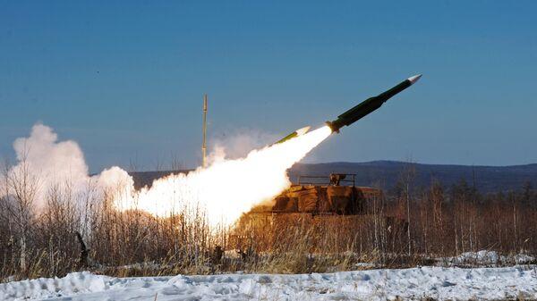 Зенитный ракетный комплекс Бук на учениях войск противовоздушной обороны