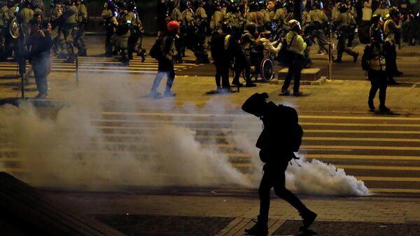 Антиправительственная акция протеста накануне Рождества в Гонконге, Китай