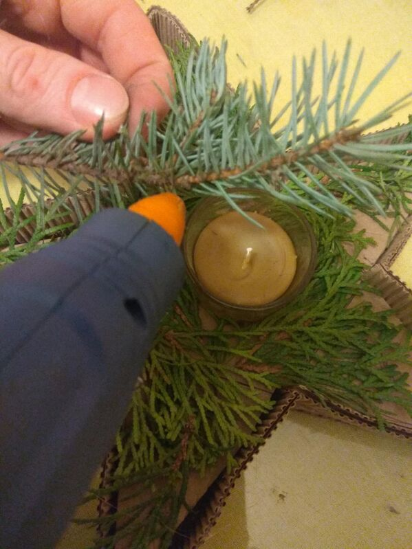 Огонь праздника: как сделать новогодний подсвечник своими руками