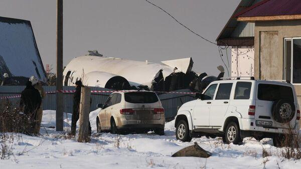 Обломки самолета Fokker 100 казахстанской авиакомпании Bek Air