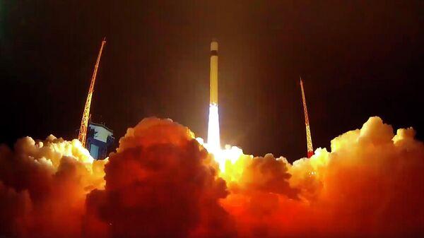 Пуск ракеты-носителя легкого класса Рокот с блоком космических аппаратов связи Гонец-М и юстировочным космическим аппаратом Блиц-М с космодрома Плесецк. 27 декабря 2019