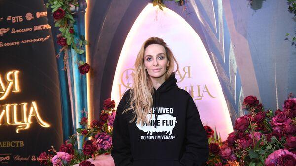Актриса Екатерина Варнава на премьере ледового шоу Спящая красавица. Легенда двух королевств в Москве