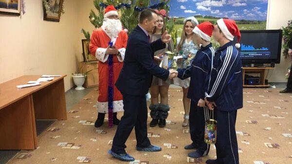 Праздничный новогодний концерт в Центре временного содержания несовершеннолетних правонарушителей в Саратове