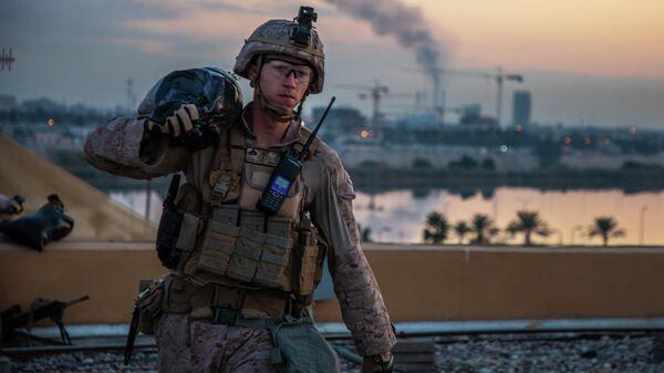 Американский морской пехотинец на территории посольства США в Багдаде, Ирак. 4 января 2019