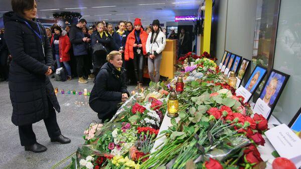 Память погибших в авиакатастрофе членов экипажа Boeing-737 почтили в Киеве