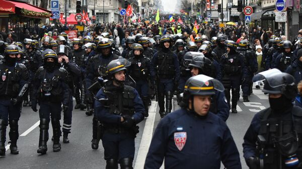Акции протеста против пенсионной реформы в Париже