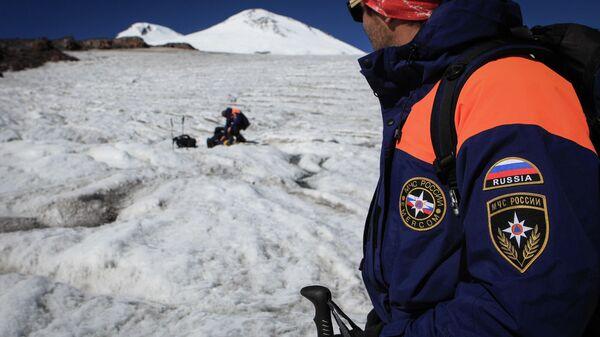 Работа высокогорного поисково-спасательного отряда МЧС России в горах Кабардино-Балкарии