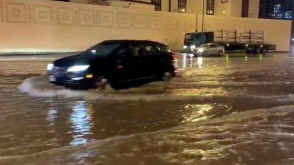 Последствия сильных дождей в Дубае, ОАЭ