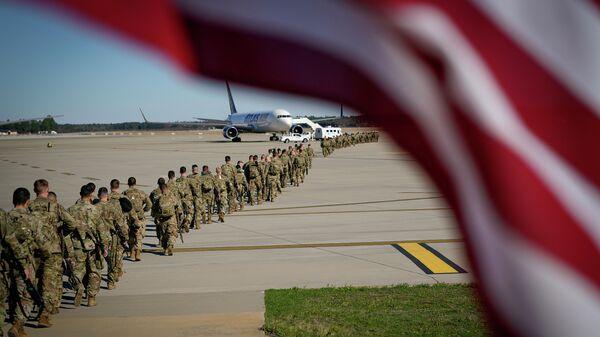 Американские военные перед вылетом на Ближний Восток