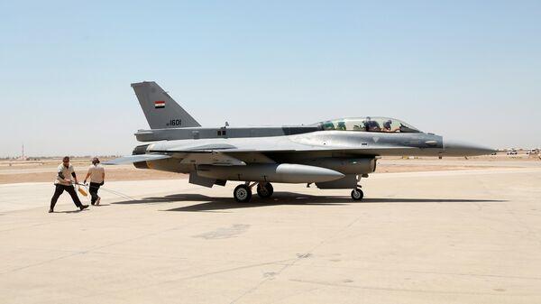 Истребитель F-16 военно-воздушных сил Ирака