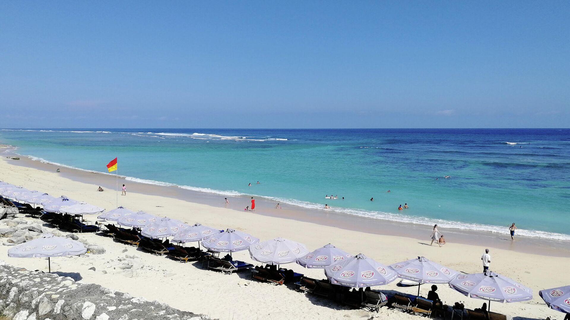 1563379119 0:257:2730:1793 1920x0 80 0 0 91e1589e100b861fbe2514f6c8589b80 - Иностранных туристов-нарушителей на Бали заставляют отжиматься