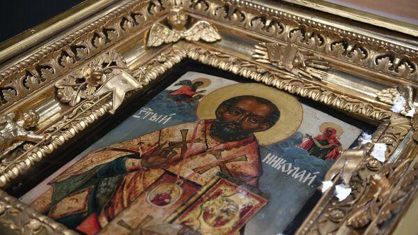 Предметы культа в кадре: как в кино снимали иконы