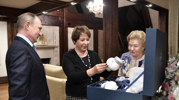 Президент РФ В. Путин поздравил с днем рождения Татьяну Юмашеву